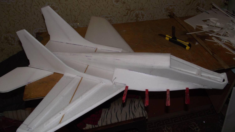 Самолёты своими руками из потолочки 2